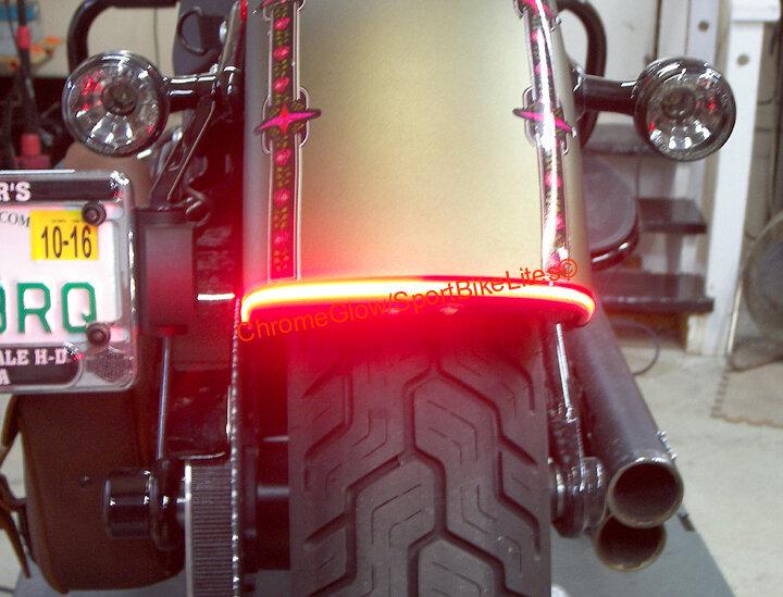 Softail Slim /& Blackline Rear Run-Brake-Turn Fender LED Taillight Light Bar Clear Lens